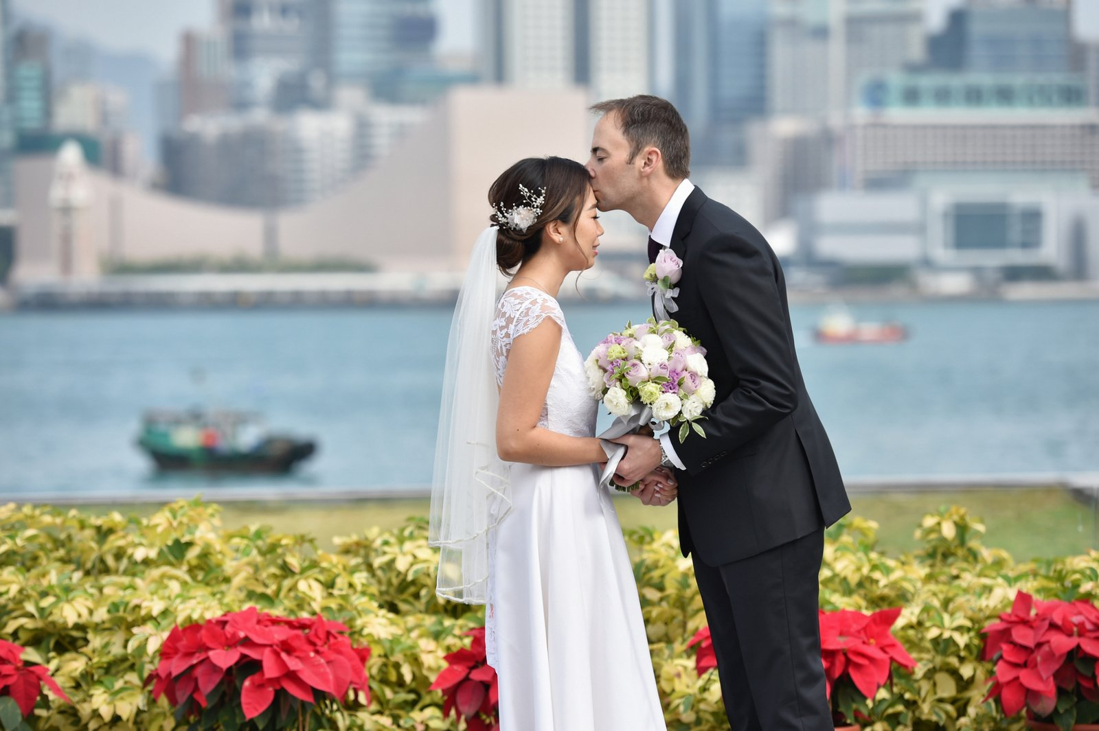 Couple photography in Hong Kong central waterfront by Ali G Studios