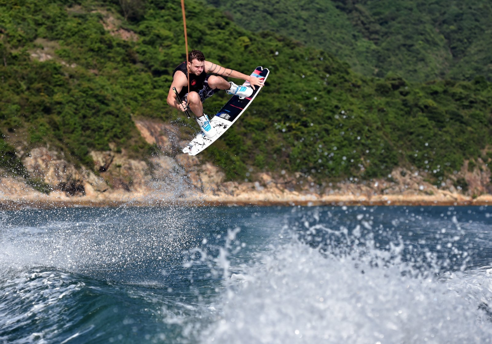 Hong Kong Wake boarding, Motion photography tips and technique example: freezing (all crisp)