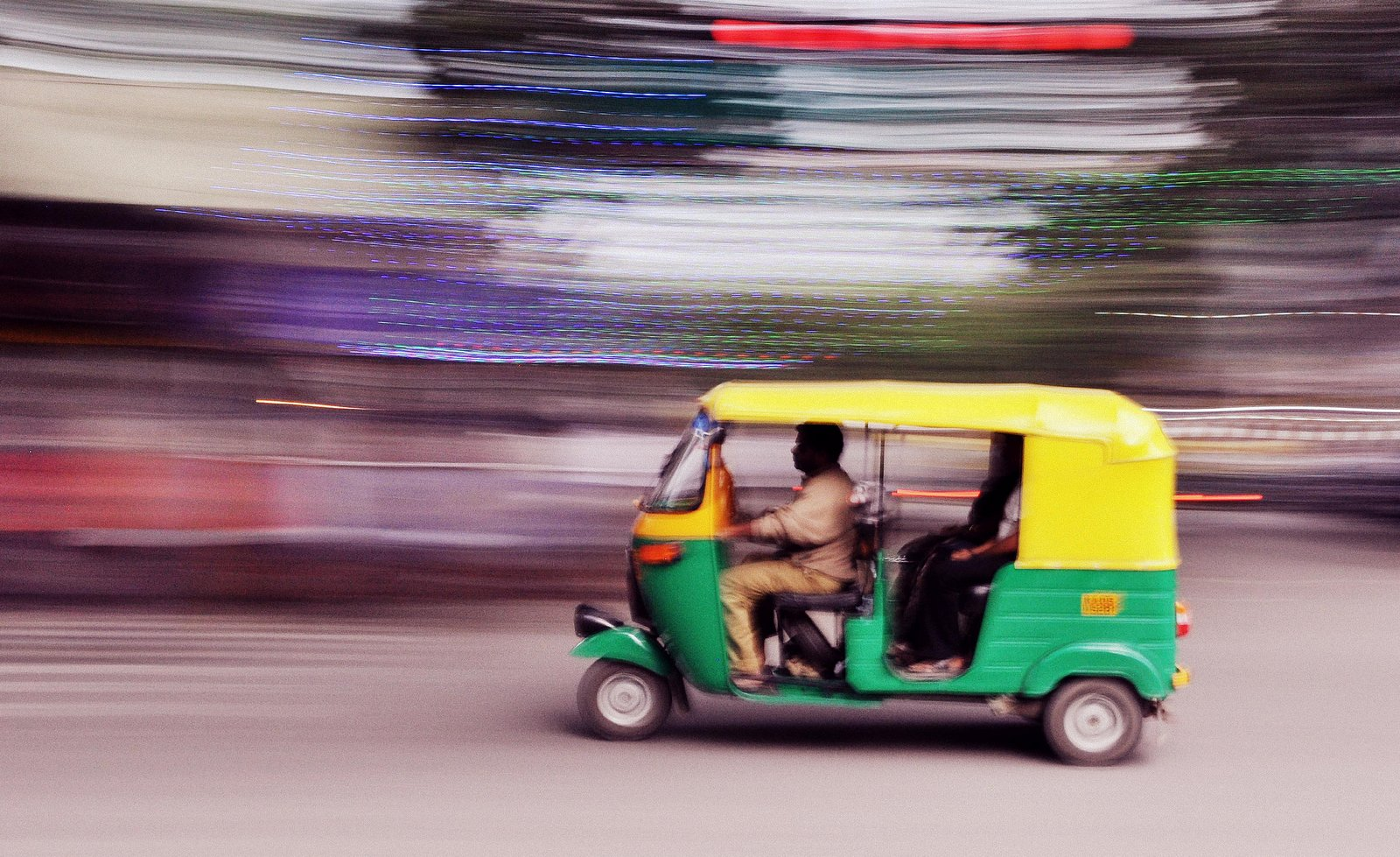 tuk tuk, Motion photography tips and technique example: Panning